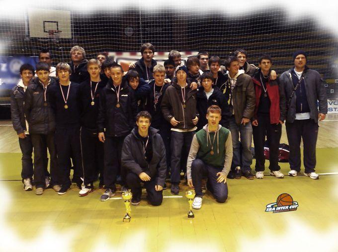 Teamfoto U18 & U16 in Bratislawa